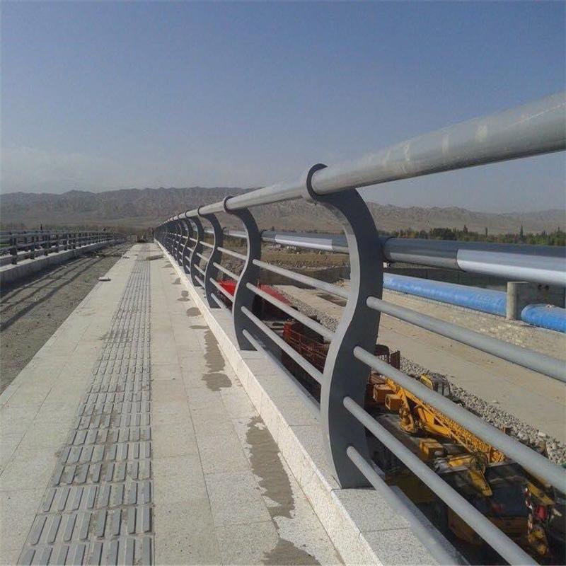 天津市201亚光不锈钢复合管每天价格