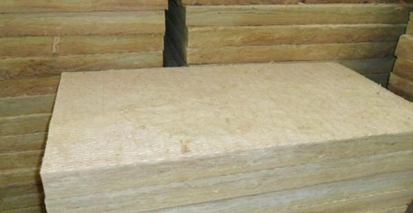 洛阳岩棉保温板每平米价格