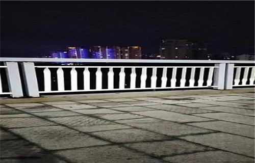 锦州桥梁护栏立柱板价格相当低