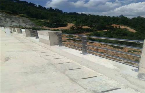 海南景观不锈钢桥梁护栏价廉物美