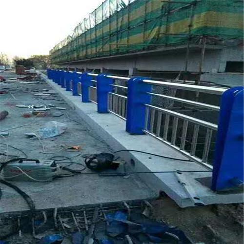 怀化不锈钢复合管栏杆代理商家
