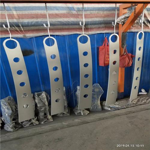 漳州公路隔离护栏厂家