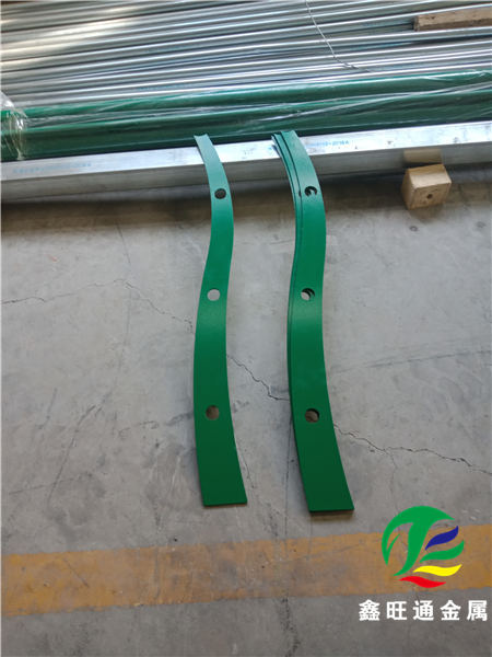 青岛碳钢管喷塑栏杆报价