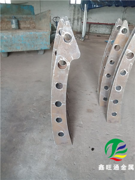梧州蓝色钢板立柱生产厂家