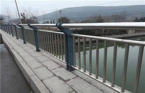 怀化河道防护不锈钢栏杆价格合理