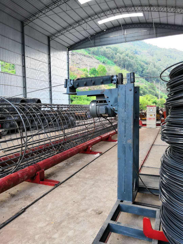 福建省莆田荔城区钢筋笼滚焊机钢筋笼滚笼机操作实图