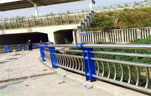 江西桥梁护栏支架徒骇河专用来图