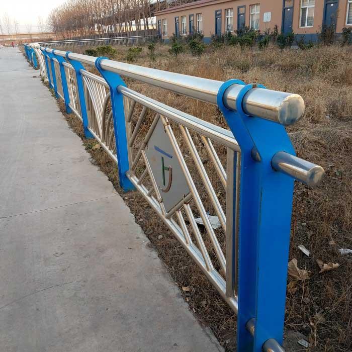 道路钢防撞护栏攀枝花防撞护栏厂家定制
