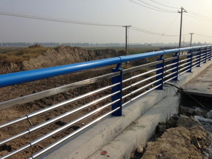 护栏立柱厂家直销甘肃定制不锈钢护栏