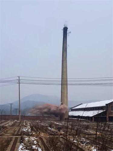 内江25米砖水塔整体放倒费用——华电高空