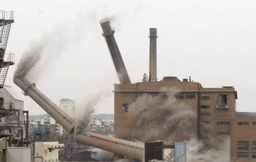 惠州65米砖烟囱拆除公司
