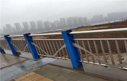 吕梁市内衬不锈钢复合管展鸿护栏厂家