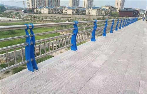 惠州按图定做镀锌管喷塑防撞护栏