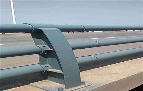 防撞护栏:吕梁桥梁护栏喷氟碳漆厂家专业专注