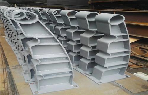 防撞护栏:惠州双金属复合管河道防撞护栏年底大回馈