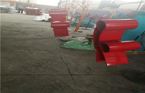防撞护栏:沧州不锈钢碳素钢复合管道路防撞护栏防撞专家
