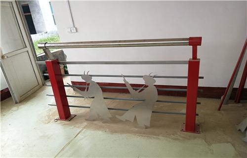 防撞护栏:怀化桥梁外侧防撞护栏厂家质量优