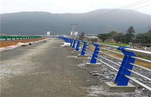防撞护栏:新余人行道防撞护栏厂家专业专注