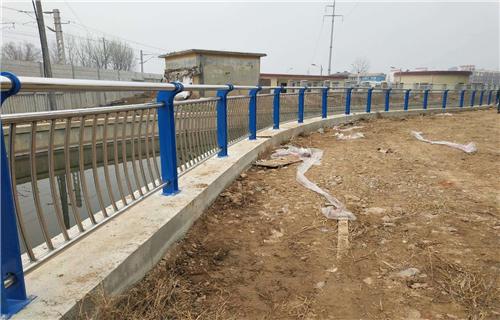 防撞护栏:惠州椭圆管喷塑防撞护栏防撞专家