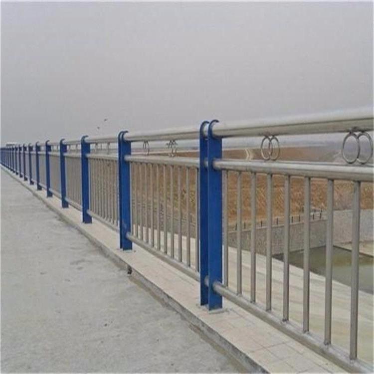 西藏日喀则仲巴河道栏杆