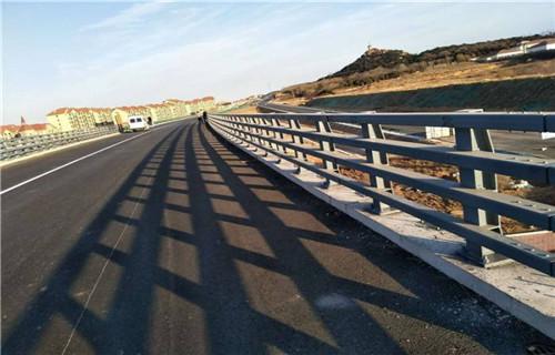 内江不锈钢防撞护栏品质优良