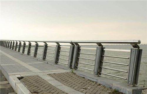 池州不锈钢桥梁护栏价格优惠