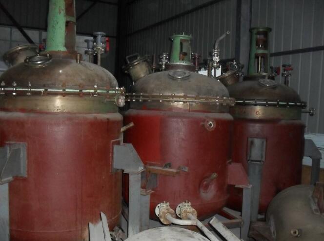 陕西安康紫阳出售十五台二手2吨搪瓷反应釜厂家