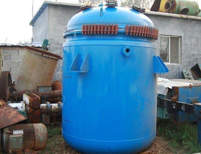 陕西安康岚皋出售15台二手3吨搪瓷反应釜厂家
