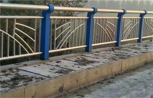 黔西南灯光护栏耐雨淋