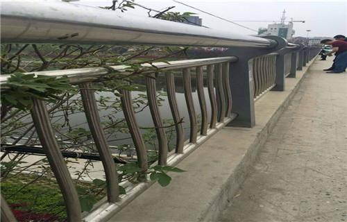 黔西南不锈钢河道护栏厂家价格优惠