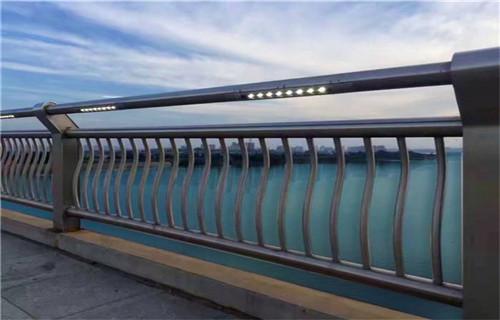 内江不锈钢桥梁栏杆每米多少钱