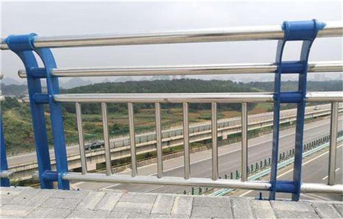 威海不锈钢栏杆立柱价格多少