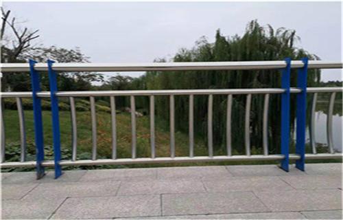 安康桥梁201不锈钢立柱现场施工
