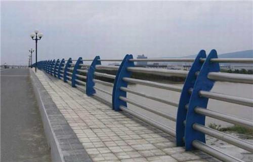 新闻:云南不锈钢桥梁防撞护栏现货供应商
