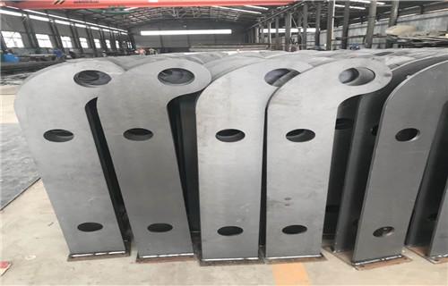 新闻:泉州不锈钢桥梁防护栏杆设计安装厂家