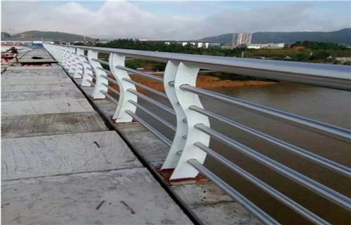 新闻:崇左桥梁景观护栏现货供应商