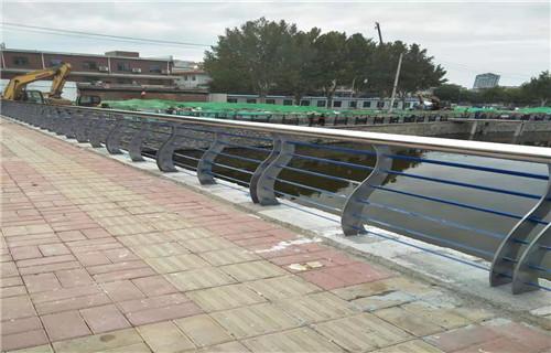 新闻:临夏桥梁景观护栏现货供应商