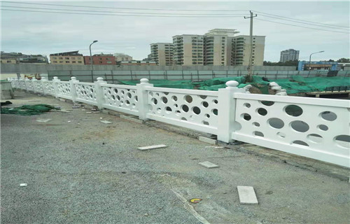 新闻:永州不锈钢桥梁防撞护栏来图来样定制