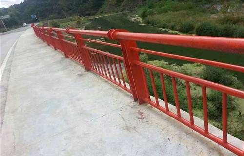 耐用:张家界桥梁防撞支架性能稳定