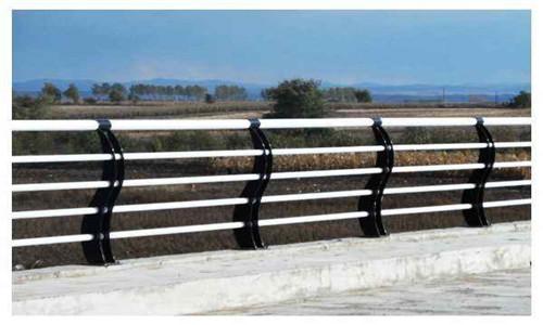 驻马店道路防撞护栏安装技巧