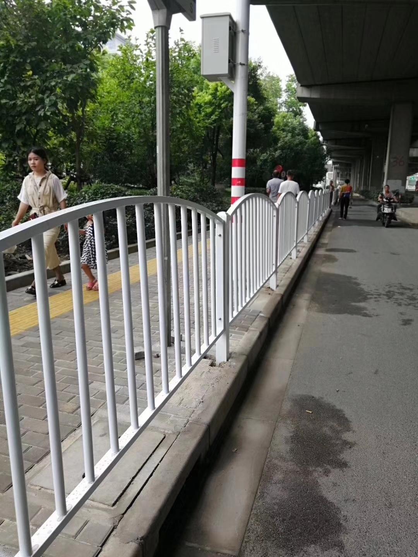 本溪机动车道隔离护栏