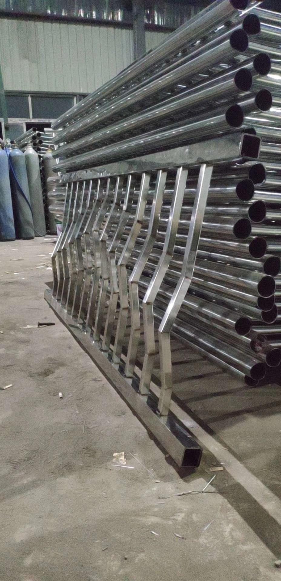 本溪不锈钢碳素钢复合管栏杆