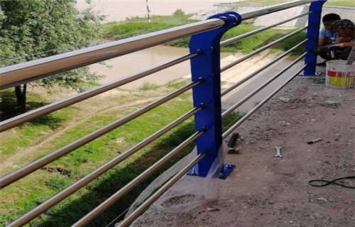 汉中不锈钢复合管护栏扶手大量现货库存材料种类多