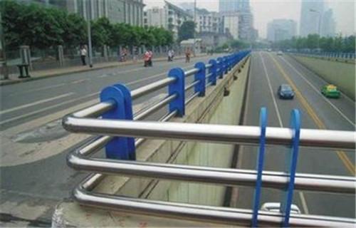 河源道路隔离栏杆多年生产工艺以质量赢取