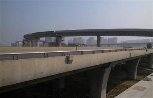 惠州机动车道隔离护栏规格齐全