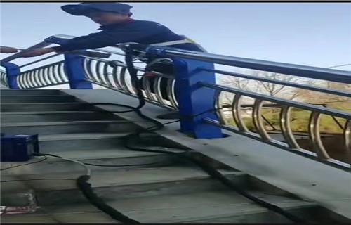 惠州景观桥梁栏杆价格不锈钢复合管钢板立柱