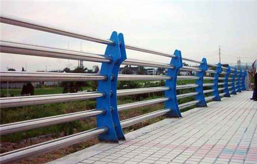 德阳玻璃不锈钢护栏价格合理