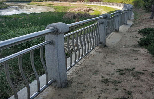攀枝花天桥不锈钢护栏品类齐全