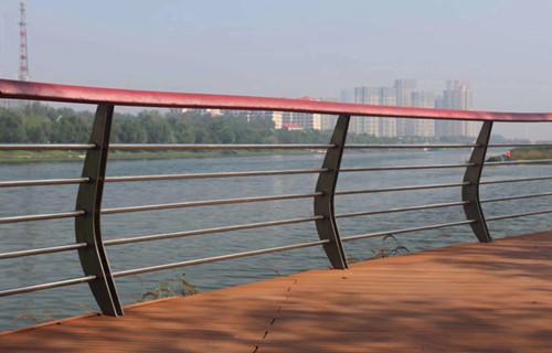 红河景观灯光护栏具有哪些优点