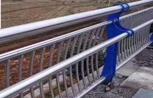 山东桥梁防撞护栏诚信互利